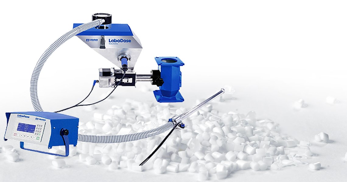 Labotek volumetric doser for plastic material